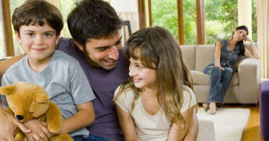 Как относиться к детям супруга от первого брака