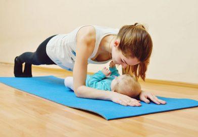 10 упражнений, которые можно делать в первый месяц после родов